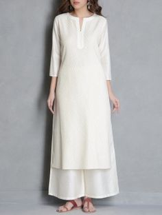 Plaid V-Neckline Sleeves Maxi A-line Dress - White / S Kurta Designs Women, Blouse Designs, Silk Kurti Designs, Pakistani Outfits, Indian Outfits, Pakistani Fashion Casual, Indian Attire, Indian Wear, Indian Dresses