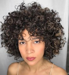 Blonde Curly Bob, Bob Haircut Curly, Curly Hair Cuts, Curly Hair Styles, Natural Hair Styles, Bob Wedding Hairstyles, Long Pixie Hairstyles, Short Curly Haircuts, Short Curly Bob