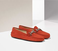 6e514856fe855 Bright red suede for the Tod s DoubleT Gommino.