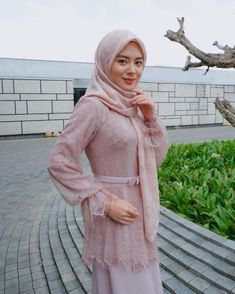 Fashion Dresses Formal Korean Ideas For 2019 Kebaya Hijab, Kebaya Dress, Kebaya Muslim, Kebaya Lace, Abaya Fashion, Muslim Fashion, Fashion Dresses, Fashion Heels, Hijab Dress Party