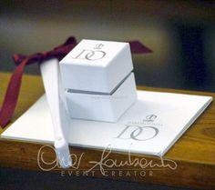 Matrimoni d'estate. Libretto messa, scatolina portariso e ventaglio per gli invitati a nozze.