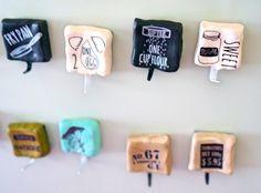 100均粘土で簡単!冷蔵庫に貼れちゃう☆マグネットフック♪|暮らしニスタ