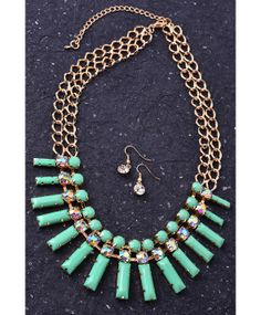 Rectangular Bib Necklace Set With Rhinestone