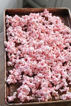 WHITE CHOCOLATE POPCORN - color with pastels for spring My MIL makes this all the time, its yummy! USE THIS ONE