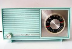 I have always loved old radios. This one is the perfect blue. Vintage Realtone AM Radio