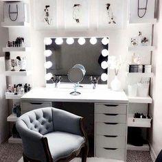 Der My Dream Beauty Raumplaner Interaktives E-Book – … The My Dream Beauty Room Planner Interactive E-Book – Chambre Trumblr, My New Room, My Room, Rangement Makeup, Bedroom Desk, Diy Bedroom, Bedroom Drawers, Bedroom Decor Glam, Girls Bedroom