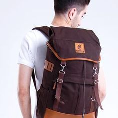 ESGOTADO MOCHILO SEGUNDO DARK BROWN Backpacks, Bags, Fashion, Handbags, Moda, Fashion Styles, Backpack, Fashion Illustrations, Backpacker