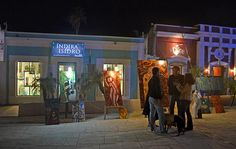 Enjoy a festive evening on Thursday nights from 6-9:30pm at the San Jose del Cabo Art District from November - May. Stroll through galleries in San Jose and enjoy photography, art, jewelery, sculptures and so much more!