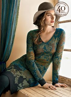 Leaf-laden chrysanthemums bloom in stunning shades of olive, seafoam and copper against an ombréd ground that shifts from turquoise to lapis and indigo. This gorgeously patterned pima jacquard dress is a sensation, with a v-neck and above-the-knee hemline.