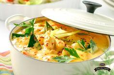 Addera värmetill kalla vardagskvällar med en gryta baserad på kokosmjölk och kyckling.