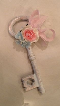 Shabby Chic Skeleton Key for Birthday Decoration and Mother's Day Ornament