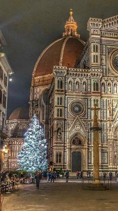 Visiting the coast for your Italy vacation Firenze Italy, Pompeii And Herculaneum, Florence Tuscany, Italy Travel Tips, Visit Italy, Italy Vacation, Travel Inspiration, Beautiful Places, Destinations