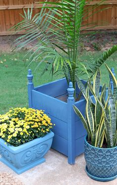 How to paint planters with Chalk Paint® by Annie Sloan