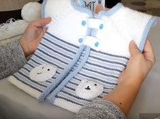 ayicikli-bebek-yelek-kabarik-haraso Teddybären-the-Baby-Mantel-raiste haraso Baby Knitting Patterns, Knitting For Kids, Crochet For Kids, Baby Patterns, Crochet Baby, Baby Pullover, Baby Cardigan, Baby Overall, Pull Bebe