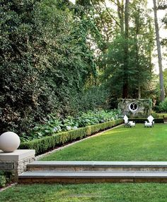 ~Suzanne Kasler: Timeless Style: Suzanne Kasler, Christine Pittel, Doug Turshen, David Huang - Love the simple landscaping