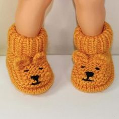 Teddy Bear Booties Looking for your next project? You're going to love Baby Teddy Bear Booties by designer madmonkeyknits. - via for your next project? You're going to love Baby Teddy Bear Booties by designer madmonkeyknits. Baby Knitting Patterns, Baby Booties Knitting Pattern, Crochet Baby Boots, Knit Baby Booties, Crochet Slippers, Booties Crochet, Baby Patterns, Hand Knitting, Crochet Teddy