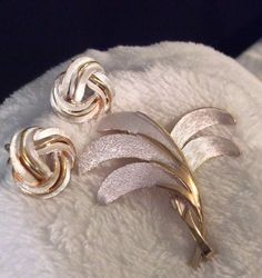 Vintage 70s, Two Tone Brooch - Signed Pastelli #Pastelli