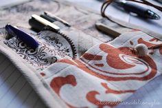la Tana del Coniglio: pencil case - astuccio da borsetta