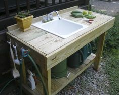 The Gardening Gallimaufry: New Potting Bench, Fried Okra Recipe Potting Bench With Sink, Potting Bench Plans, Potting Tables, Outdoor Kitchen Sink, Outdoor Sinks, Greenhouse Benches, Garden Benches, Greenhouse Gardening, Lavabo Exterior