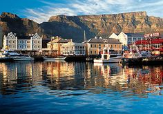 really want to visit this place! South Afrika, Bahamas Cruise, Cape Town, Places To See, Life Is Good, Beautiful Places, Africa, Mansions, House Styles