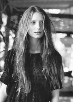 wether Mia Wasikowska has short or long hair she is stunning.