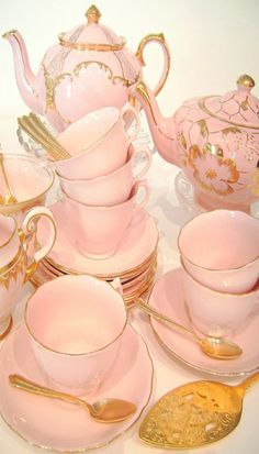 ♥pretty pink and gold tea set♥
