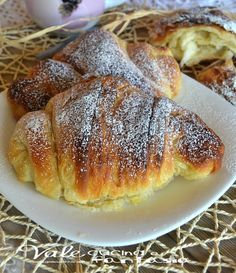 croissants browsed homemade recipe step by step Croissants, Mexican Dessert Recipes, Italian Desserts, Homemade Dinner Rolls, Italian Pastries, Sicilian Recipes, Snacks, Omelette, Sweet Bread