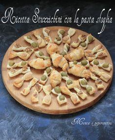 Ricetta Stuzzichini con la pasta sfoglia Charcuterie Board, Appetisers, Antipasto, Appetizer Recipes, Italian Recipes, Good Food, Brunch, Food And Drink, Pie
