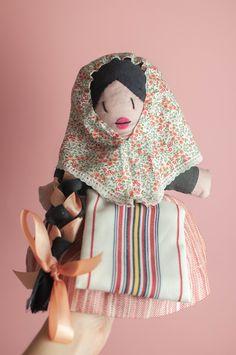 Muñeca de trapo vestida de traje tradicional mallorquín, payesa, Mallorca, recuerdo, souvenir Fashion, Traditional, Trapillo, Souvenirs, Souvenir, Suits, Dress, Majorca, Moda