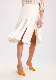 50075e0b5 39 Best Zalando ♥ Christmas Outfits images | Fabric material ...