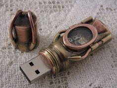 Steampunk USB Flash Drive   via DudeIWantThat.com