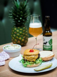 Handmade Burgers & Craft Beer at Ludwig (Das Burger Restaurant) in Salzburg and Innsbruck, Austria Burger Restaurant, Innsbruck, Salzburg, Handmade Burger, Salmon Burgers, Craft Beer, Austria, Ethnic Recipes, Food