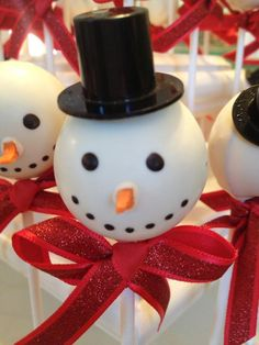Snowman Cake Pops... the kids will love... Use real carrots for the nose!