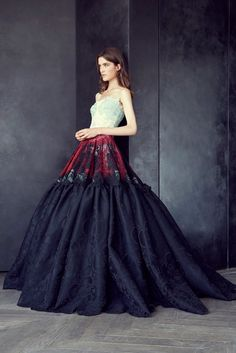 Alexis Mabille Fall 2015 Couture because everyone needs a ginormous ballgown. I'd love this on Angelina Jolie.