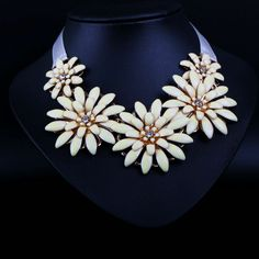 Brand Ivory Sunflower Choker Necklaces, Chunky Chain Trendy Bib Necklace Collar ,statement Necklace Costume Jewelry A191 $7.98
