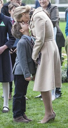 Intimate photograph sees Sophie Wessex share an Eskimo kiss with son Tender moment: A new photograph has emerged from The Countess of Wessex's trip to Ascot racecourse on Saturday of her sharing an Eskimo kiss with her young son Viscount James English Royal Family, British Royal Families, Princesa Diana, Sophie Rhys Jones, Eskimo Kiss, Viscount Severn, Eugenie Of York, Lady Louise Windsor, Elisabeth Ii