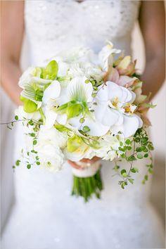 Bouquet di orchidee bianche per la sposa. Guarda altre immagini di bouquet sposa: http://www.matrimonio.it/collezioni/bouquet/3__cat