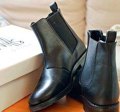Wills Vegan Shoes City Courts Black
