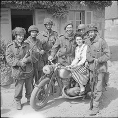 historywars:  British paratroopers with a Dutch girl Military Photos, Military History, D Day Normandy, Normandy France, British Armed Forces, Old Motorcycles, Paratrooper, British Army, Troops