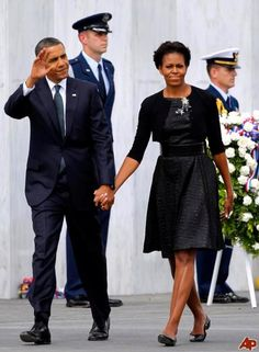 Mr and Mrs Obama Laying the Wreath