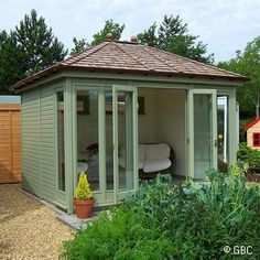 garden office - I would like to work here!!