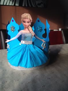 Hero Crafts, Diy And Crafts, Crafts For Kids, Arts And Crafts, Frozen Birthday Party, Birthday Parties, Crown Photos, Kids Playing, Projects To Try
