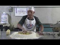 PAN DE MUERTO - YouTube Pan Dulce, Flan, Hallows Eve, Youtube, Favorite Recipes, Halloween, Desserts, Pan De Muerto, Decorating Cakes