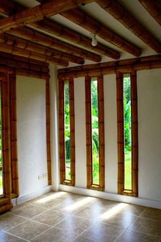 Design and construction of Montoya house in bamboo or bamboo by Zuarq Arquitectos. Bamboo House Design, Bamboo Building, Hut House, Earthship Home, Bamboo Structure, Bamboo Construction, Bamboo Architecture, Earth Homes, House Styles
