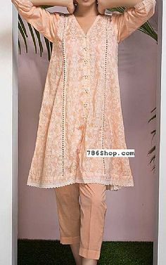 Online Indian and Pakistani dresses, Buy Pakistani shalwar kameez dresses and indian clothing. Beautiful Dress Designs, Stylish Dress Designs, Stylish Dresses, Casual Dresses, Fashion Dresses, Pakistani Casual Wear, Pakistani Fashion Party Wear, Pakistani Outfits, Winter Dresses Online