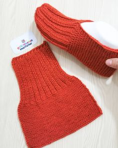 Gardengate Knitalong Week It'S So Fun Gardengatesweater - Knitting Easy Knitting, Knitting Stitches, Knitting Socks, Knitting Patterns Free, Sewing Patterns, Crochet Patterns, Knit Slippers Free Pattern, Knitted Slippers, Crochet Slippers