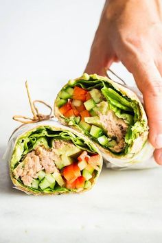 What's the most convenient take-to-work or take-to-school or take-to-park lunch ever? Definitely this healthy Tuna Wrap. Healthy Tuna, Healthy Meals To Cook, Easy Healthy Dinners, Healthy Cooking, Healthy Snacks, Healthy Eating, Cooking Tips, Pastas Recipes, Lunch Recipes