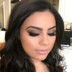 All matte with a shimmer highlight #vanitymakeup