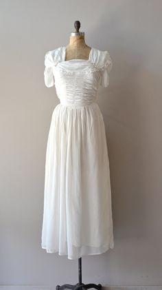 vintage 1930s Much Ado wedding gown    #vintagewedding