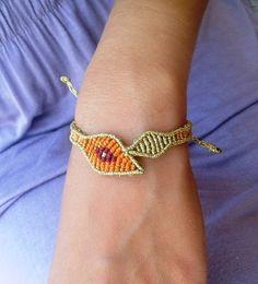 Bracelet evil eye en macramé / micromacrame / main bracelet Micro Macrame, Macrame Bracelets, Evil Eye, Eyes, Hippy, Gold, Pandora, Student, Accessories